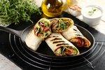 Wegetariańskie grillowane tortille z warzywami i kiełkami słonecznika1.JPG